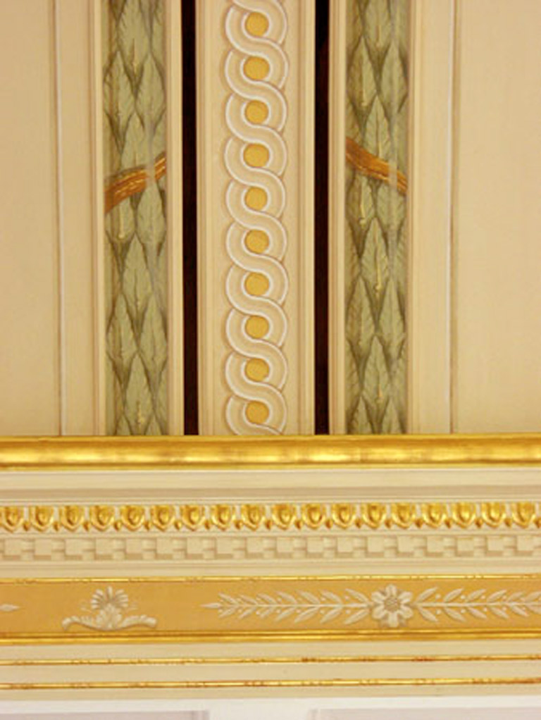 Glazed Crown Molding : Patina and glazing